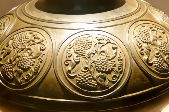 葡萄文[鋳銅]花瓶